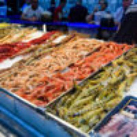 صورة لقسم اللحوم والأسماك